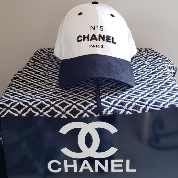 3bf09e2b95d Chanel suede baseball cap